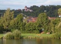 BErgkirche und Heinsheim vom Neckar aus gesehen
